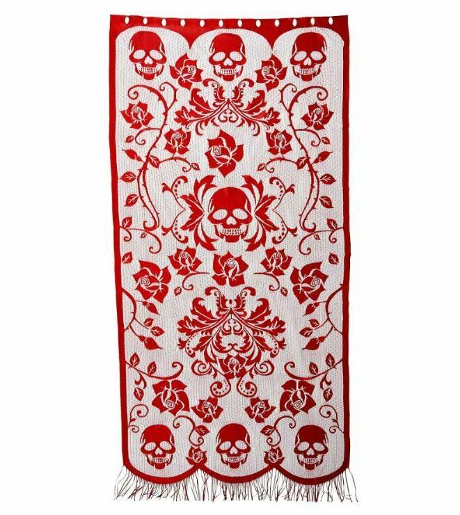 7 foot gothic style red skulls vines